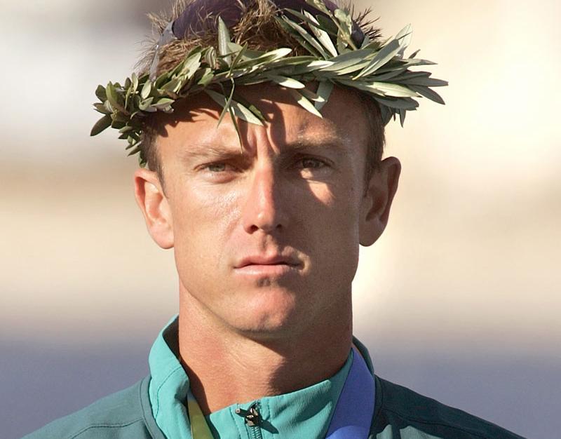 Nathan Baggaley efter OS-silvret 2004.