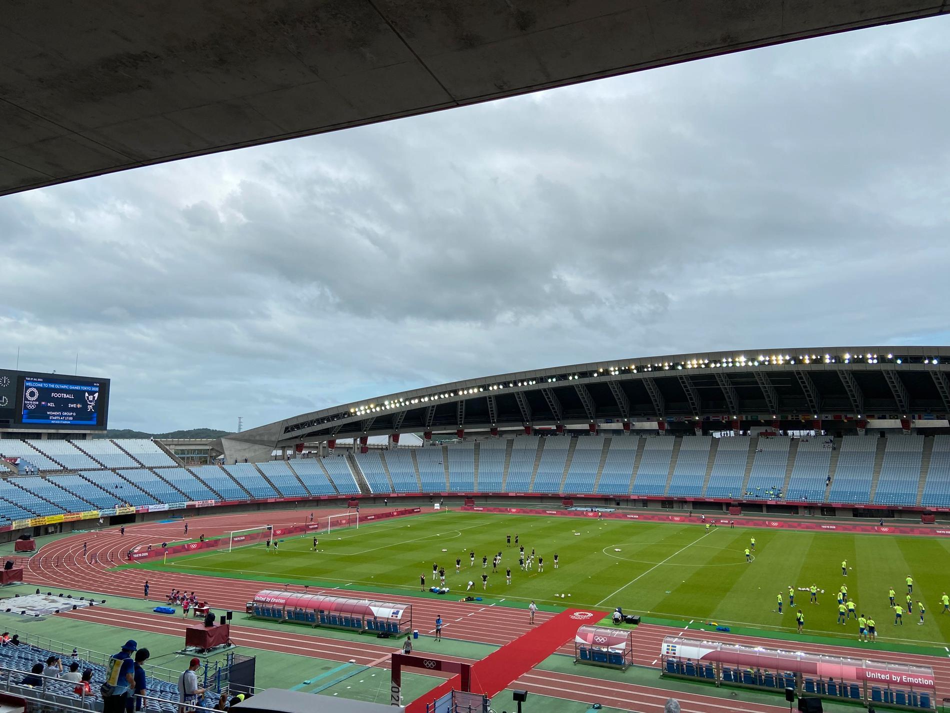 Inget oväder (men lite blåst i alla fall) på Miyagi Stadium i Rifu.