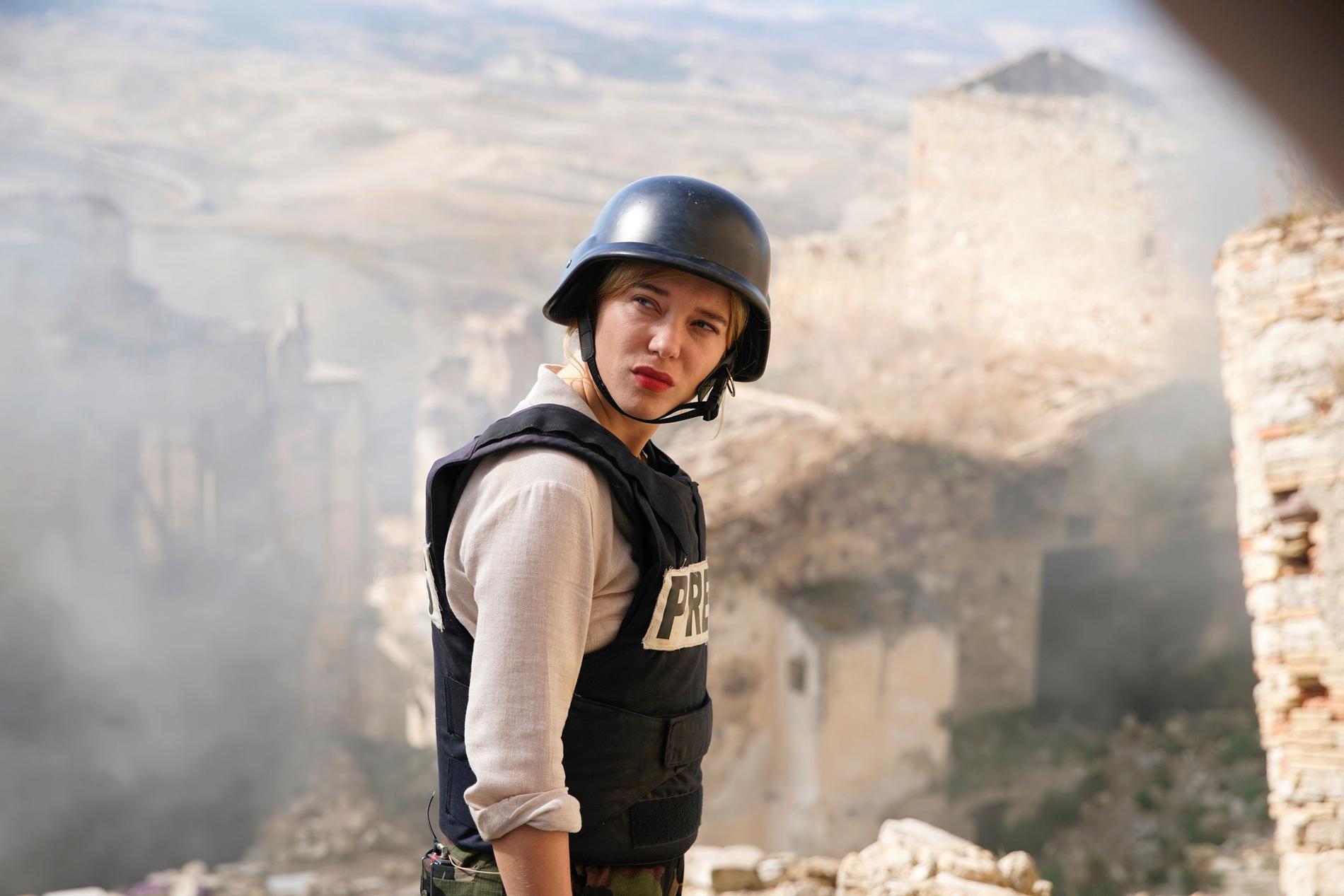 """Léa Seydoux är med i inte mindre än fyra filmer som tävlar om Guldpalmen. En av dem är Bruno Dumonts """"France"""" där hon spelar kändisjournalistenFrance de Meurs."""