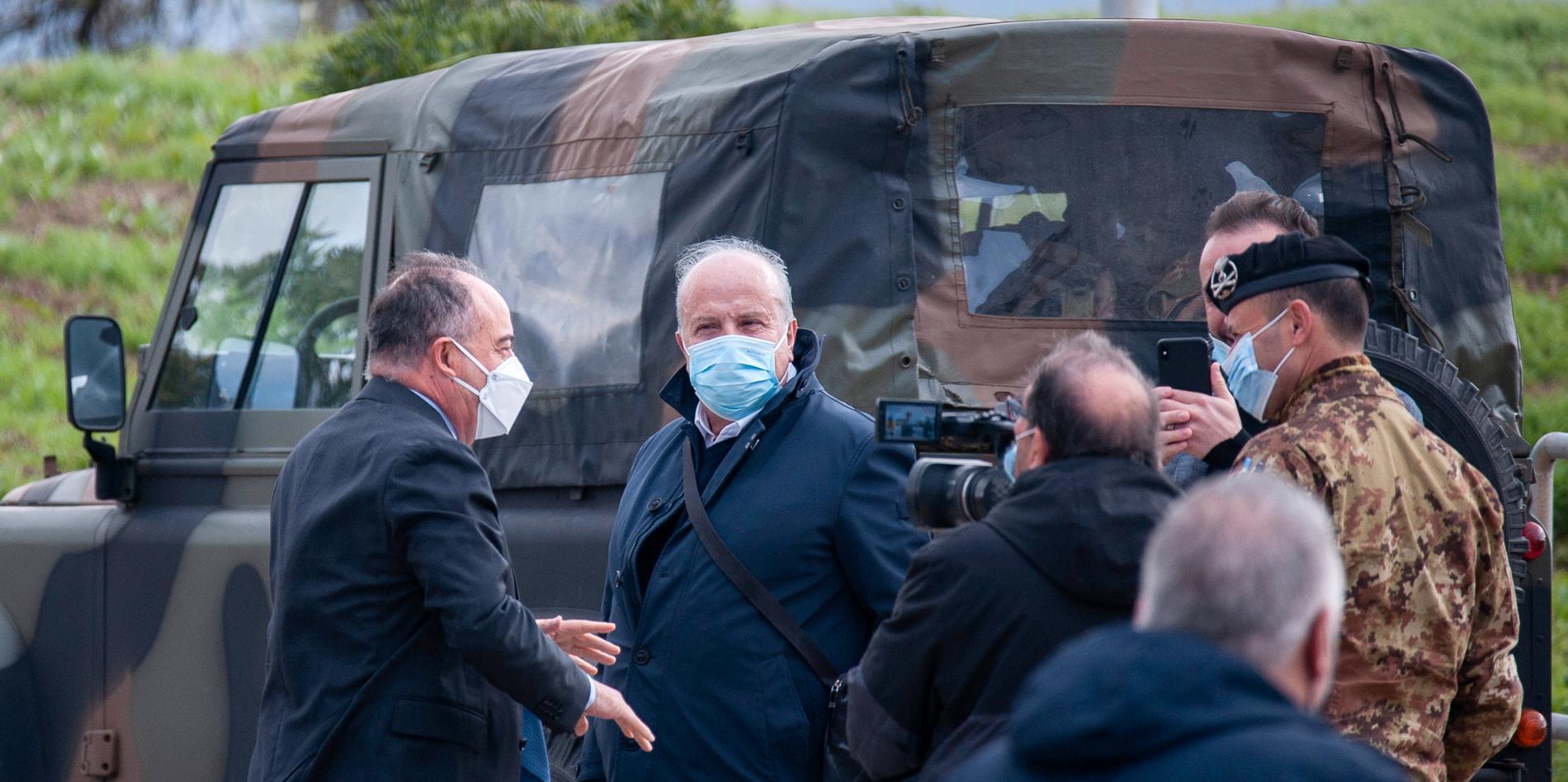 Åklagare Nicola Gratteri, till vänster, är en av de som leder kriget mot maffian i Italien.