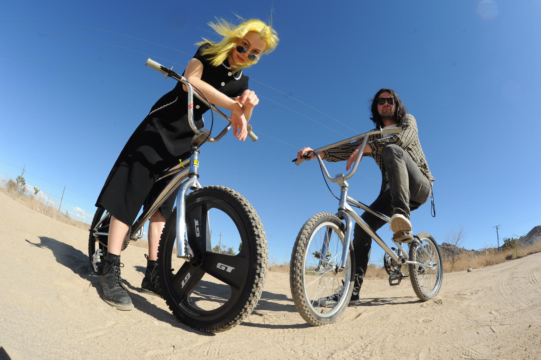 Phoebe Bridgers och Conor Oberst låter som att de är allt annat än ute och cyklar med nya gemensamma projektet Better Oblivion Community Center.