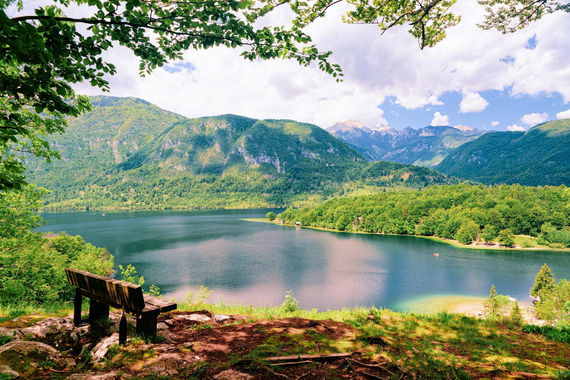 Bohinjsjön är Bledsjöns mer okända granne.
