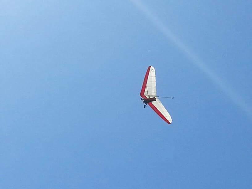 Adiba provade på kitesurfing under sin cellgiftsbehandling.