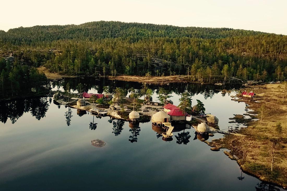 I Telemark ligger dessa mysiga jurtor.