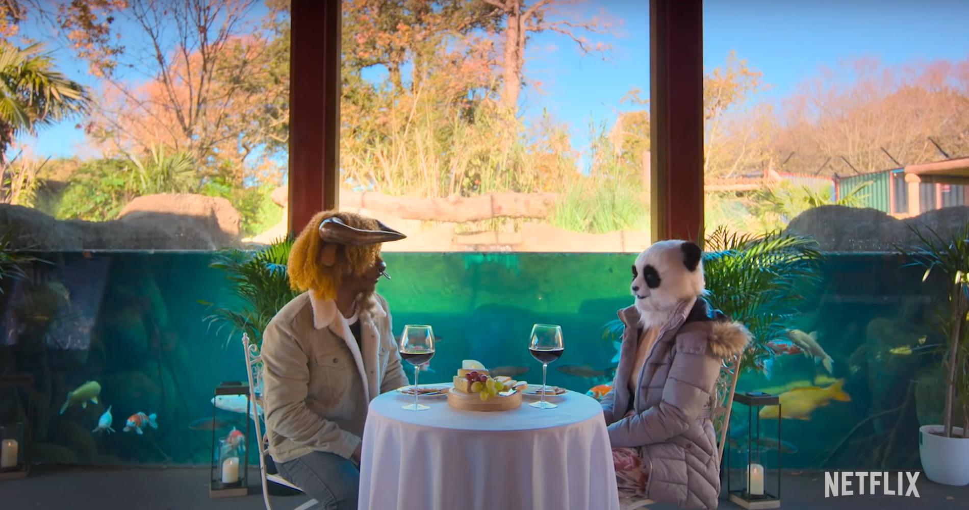 "Människor i masker dejtar i Netflix nya dejtingserie ""Sexy Beasts""."