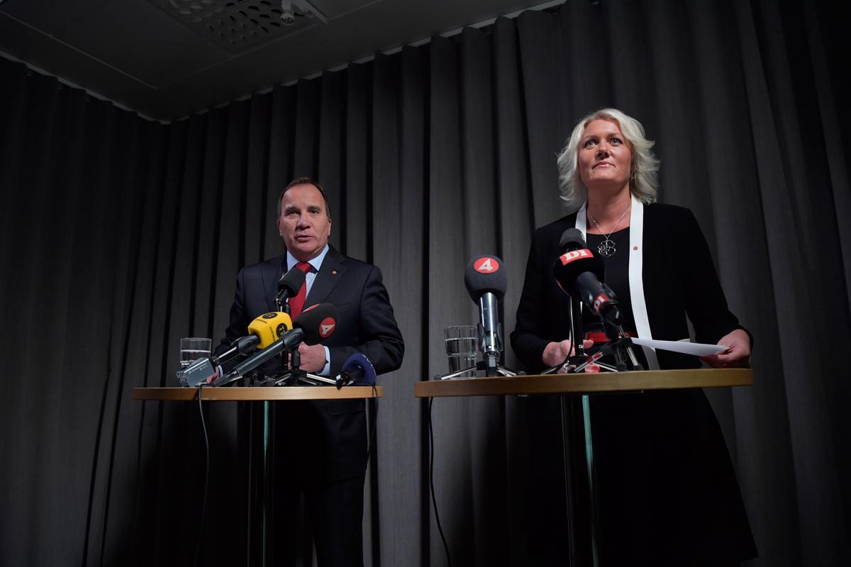 Stefan Löfven presenterade S nya partisekreterare: Lena Rådström Baastad.