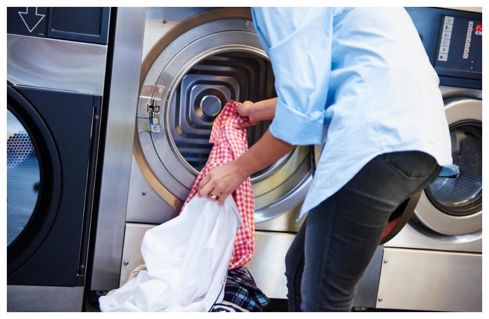 Det är ovanligt att smittas via en gemensam tvättmaskin men risken finns.