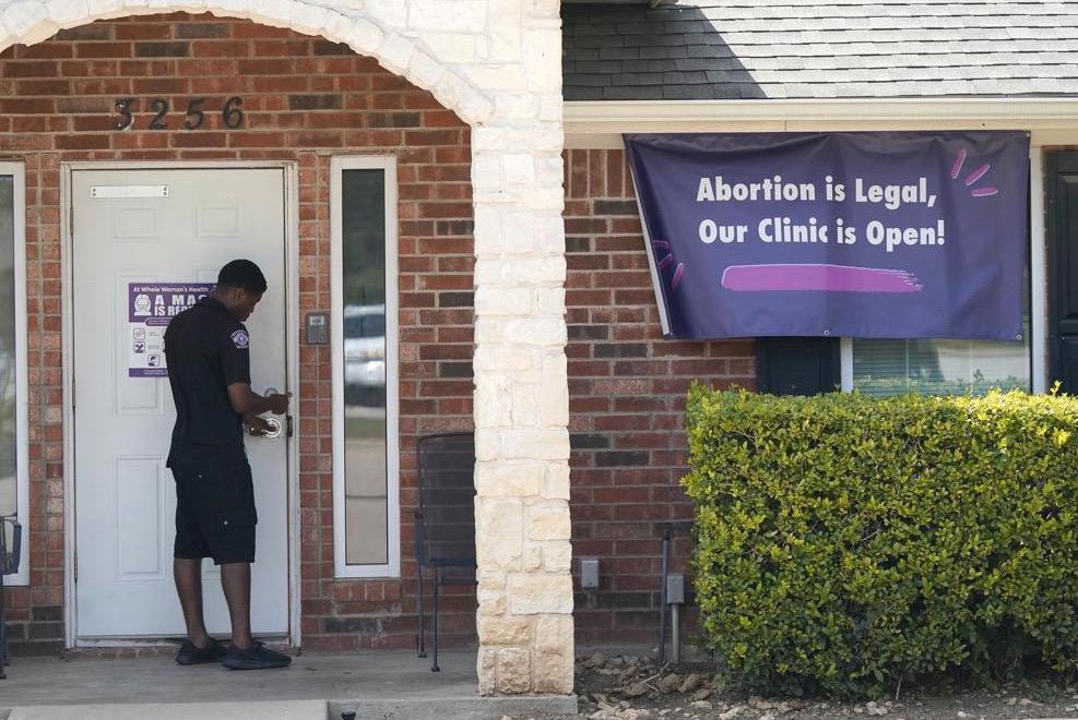 Bedömare tror att många abortkliniker kommer att tvingas stänga efter beslutet i Högsta domstolen.