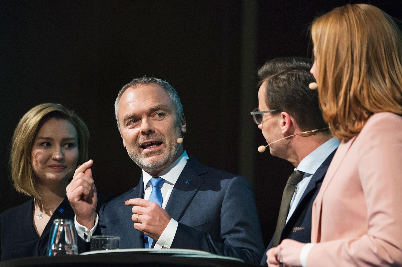 Jan Björklund tillsammans med ledarna för de andra Allianspartierna.