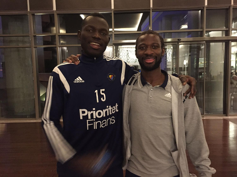 Omar Colley och Amadou Jawo.