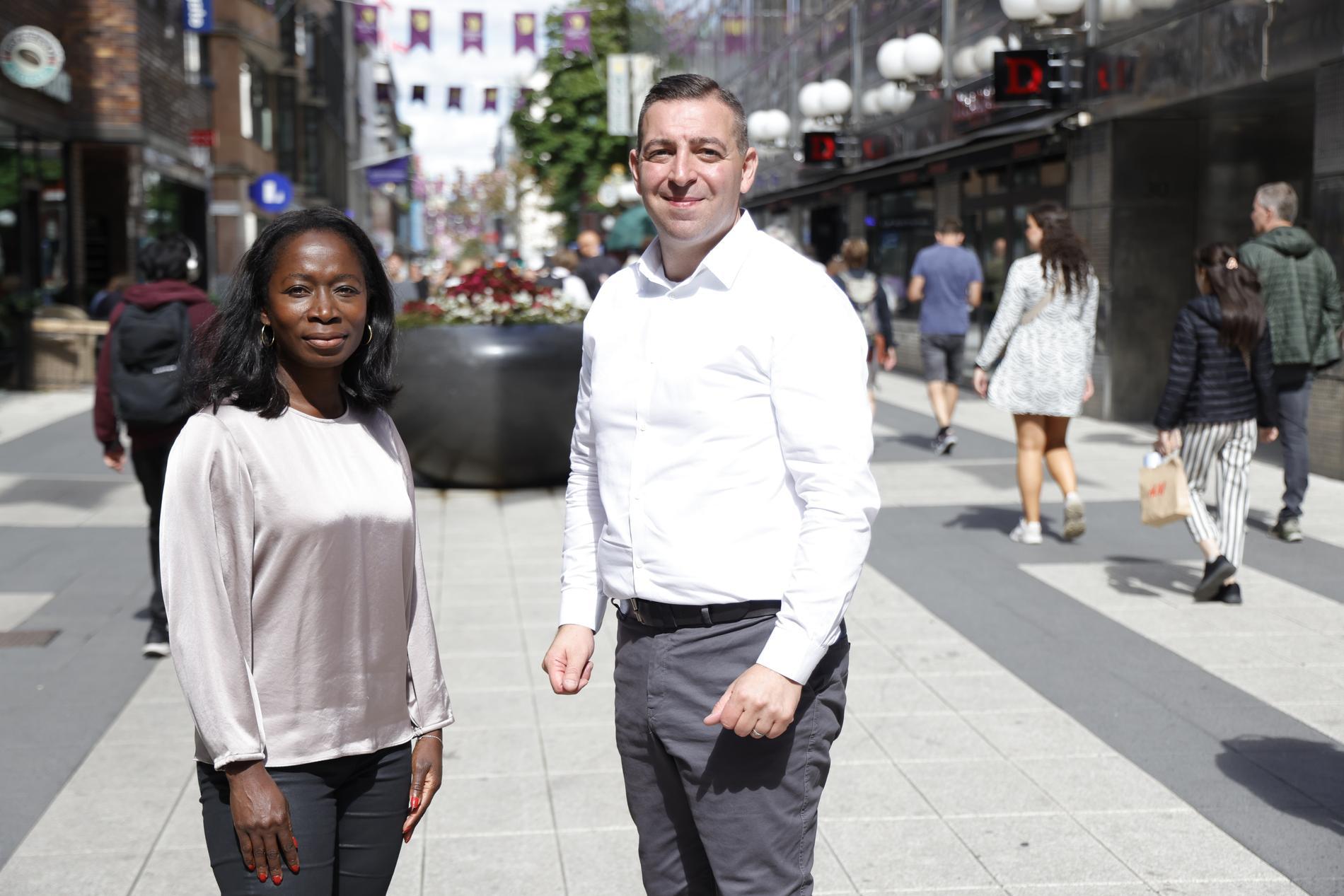 Liberalernas Nyamko Sabuni och Roger Haddad presenterar förslag för att återupprätta den svenska kunskapsskolan.