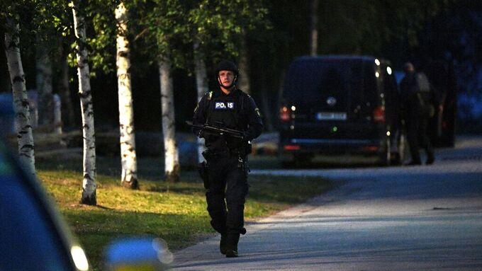 En insats pågick under fredagskvällen i Notviken, där bland annat insatsstyrkan deltog.