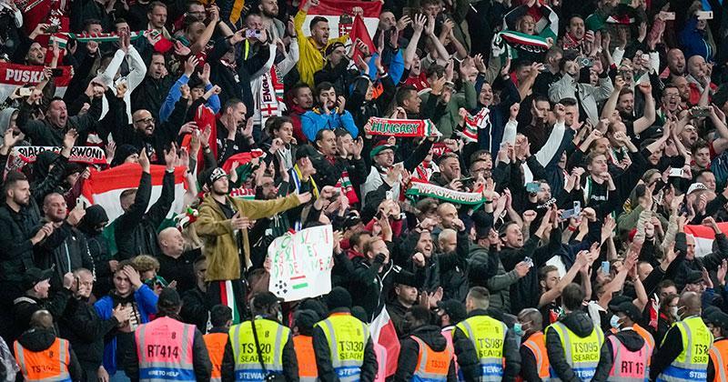 Ungerska fansen kritiseras.