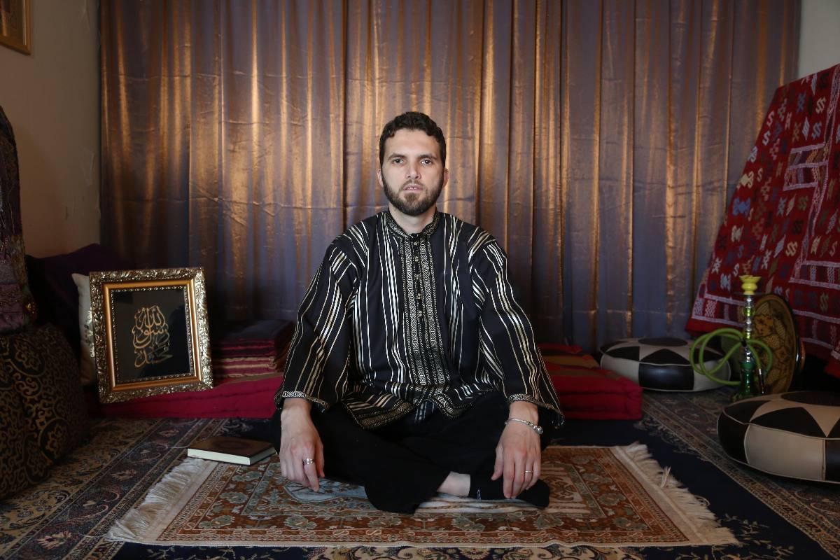 """Ludovic-Mohamed Zahed skriver i """"Le Coran et la chair"""" om islam och homosexualitet. Ett av hans livsmål är att skapa en plats att be på som är öppen för alla."""