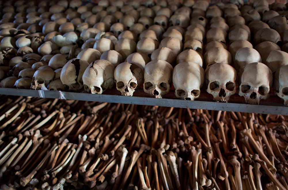FOLKMORD På 100 dagar mördades 800 000 människor, mestadels tutsier.
