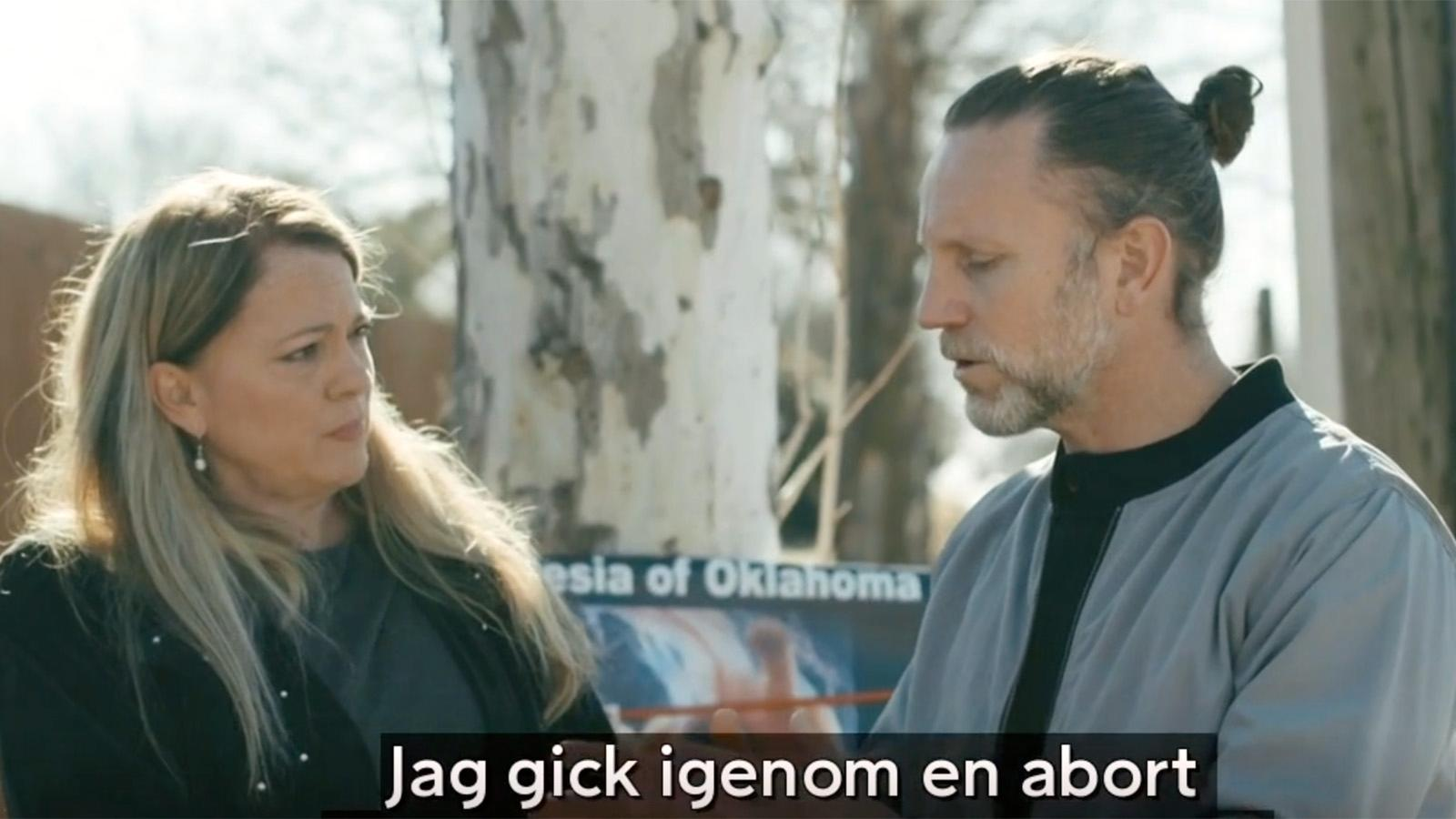 """Peter Jihde besöker abortmotståndare i """"På gränsen""""."""