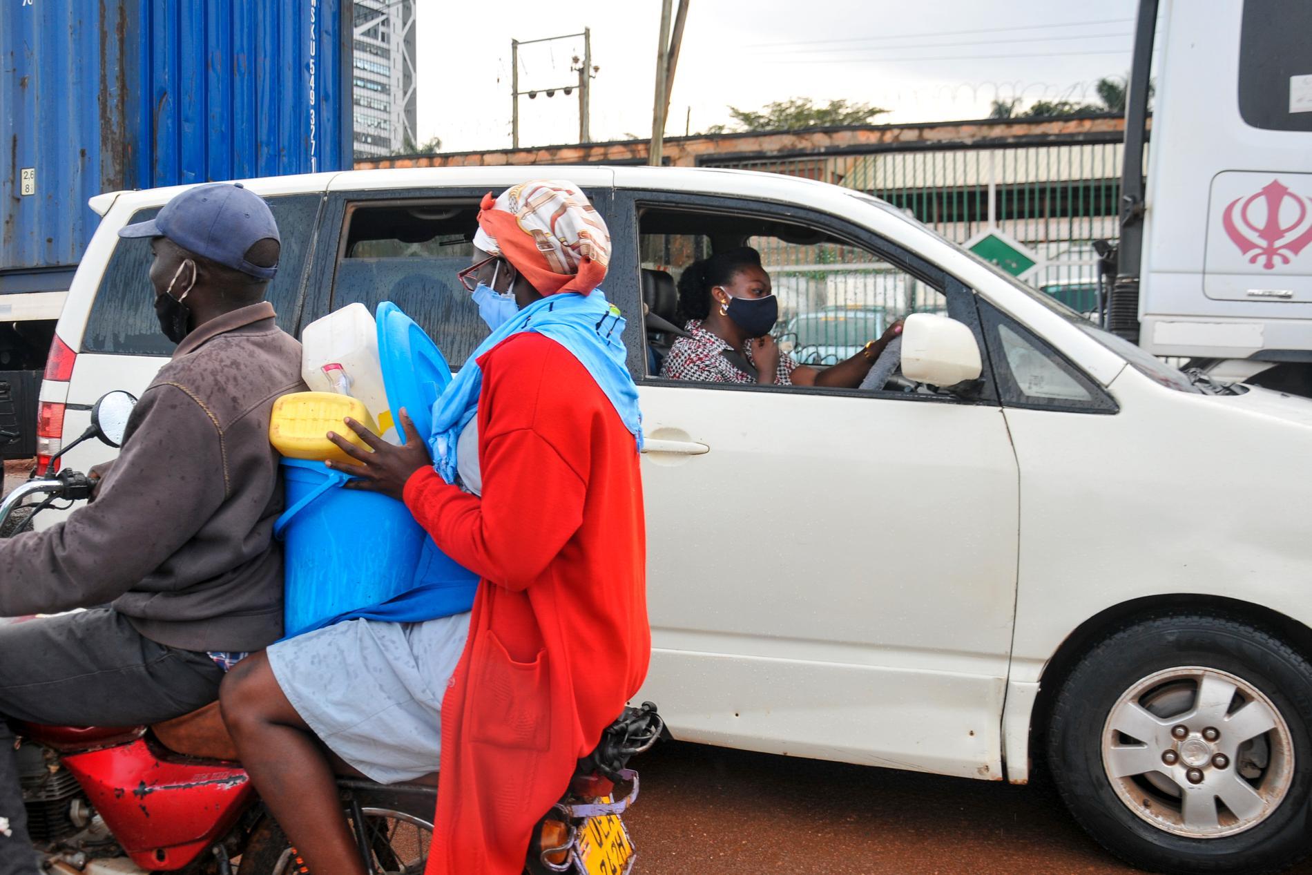 """Bilbonus till ugandiska politiker påstås öka deras """"engagemang i väljarkåren"""". Arkivbild från huvudstaden Kampala."""