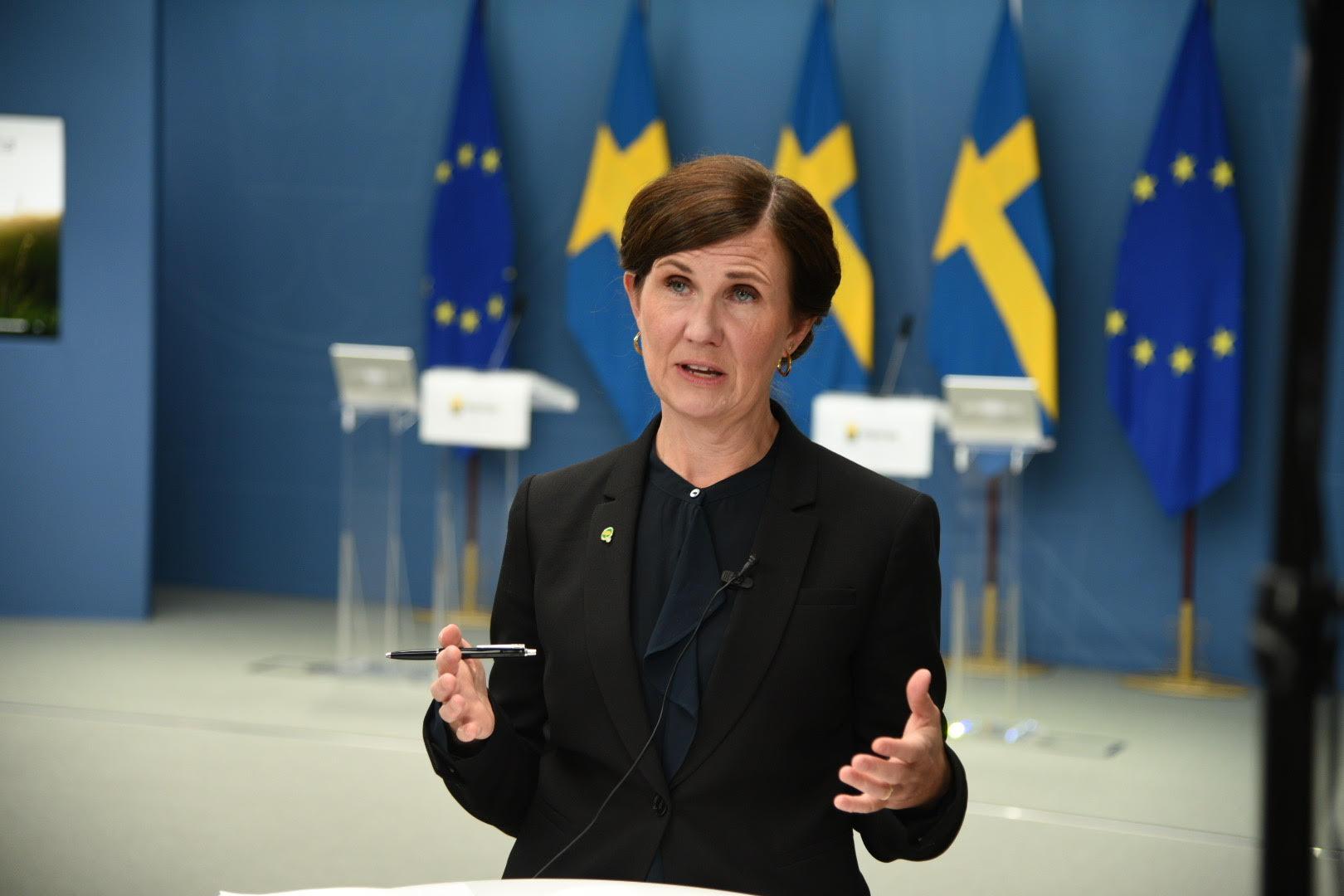 Jämställdhets- och bostadsminister Märta Stenevi (MP) presenterar satsningar på klimat och miljö i budgeten för 2022.