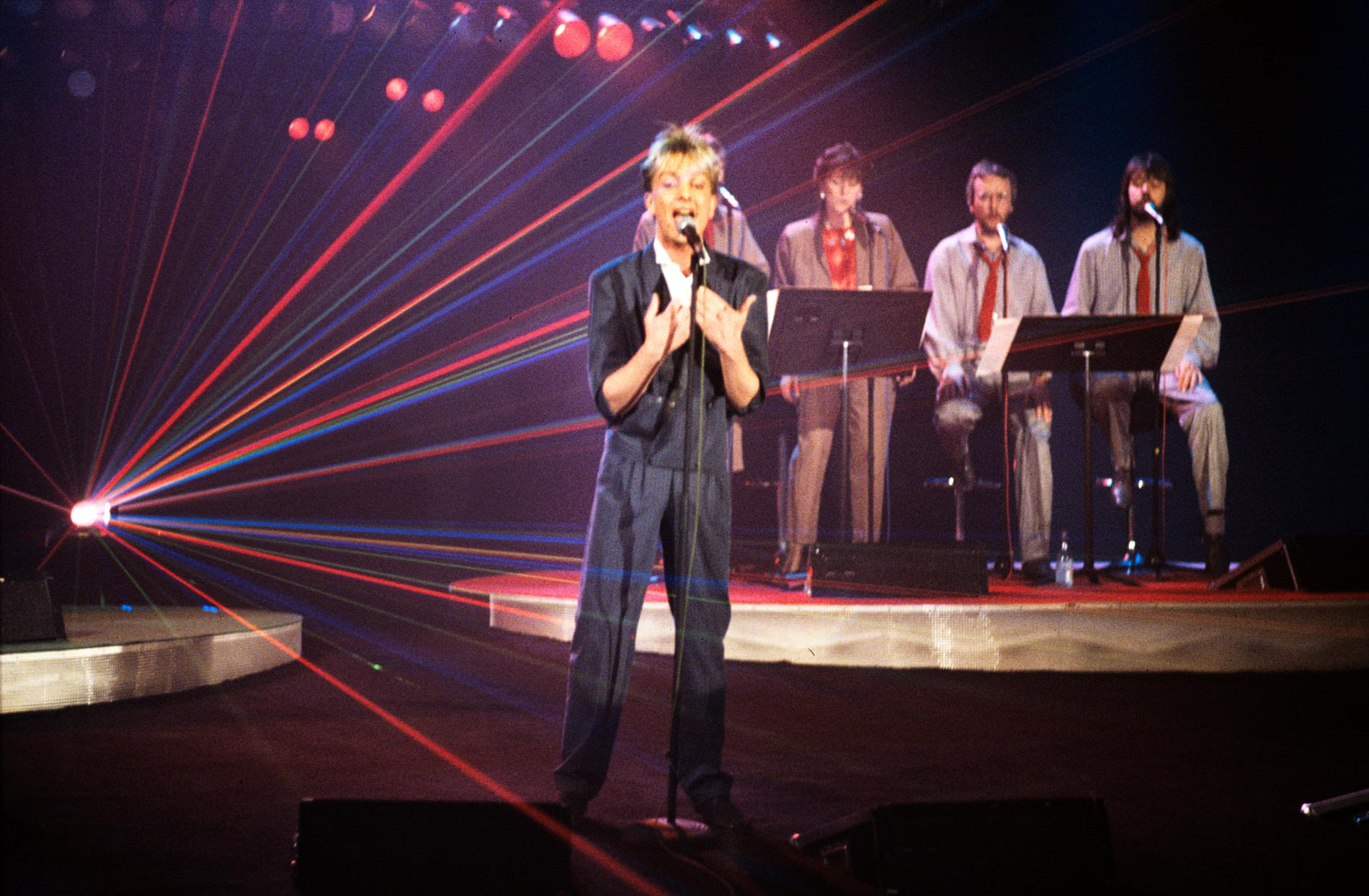 Dan Tillberg, här på en bild från Melodifestivalen 1985.