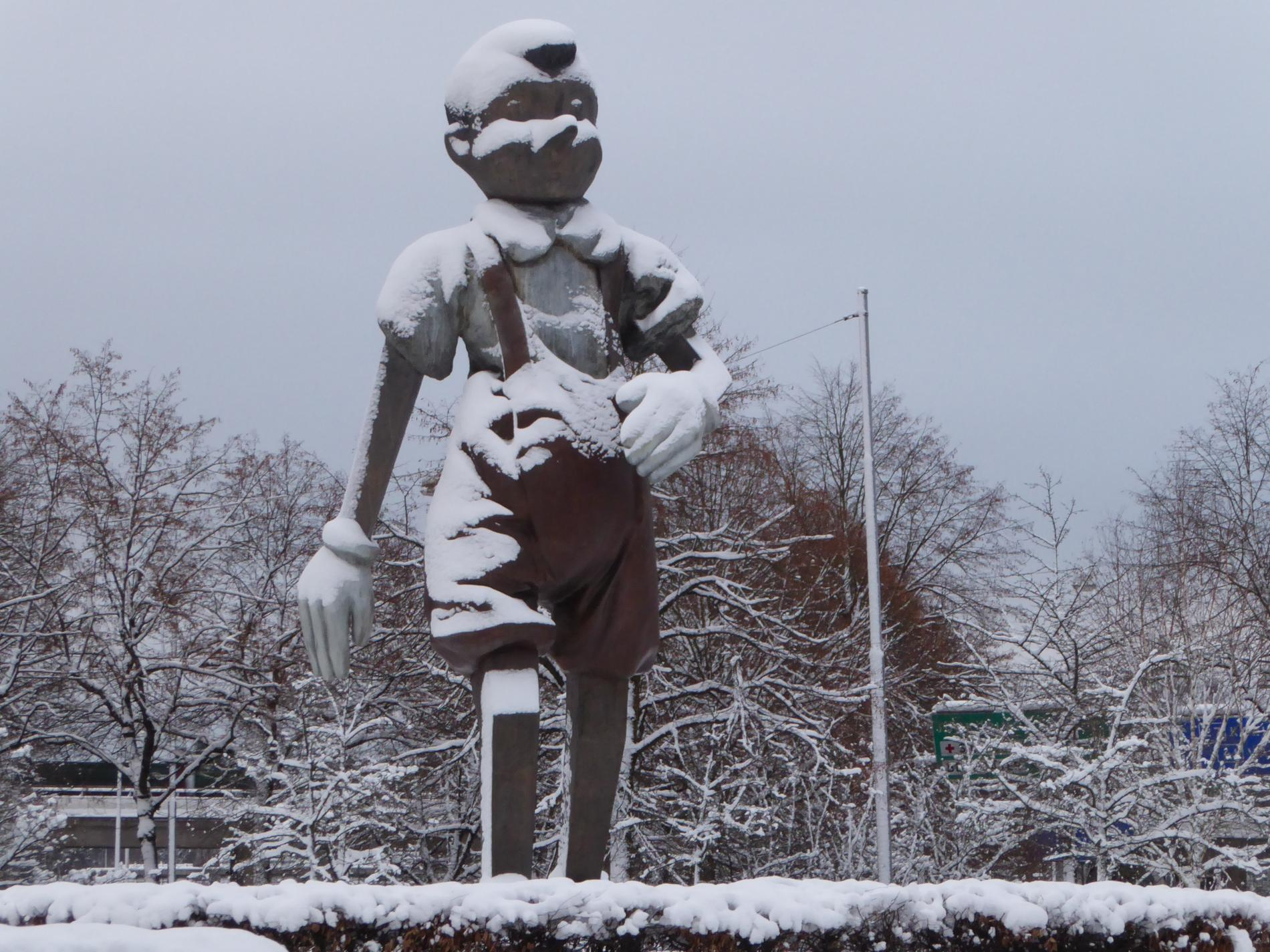 Jim Dines omdiskuterade staty Walking to Borås