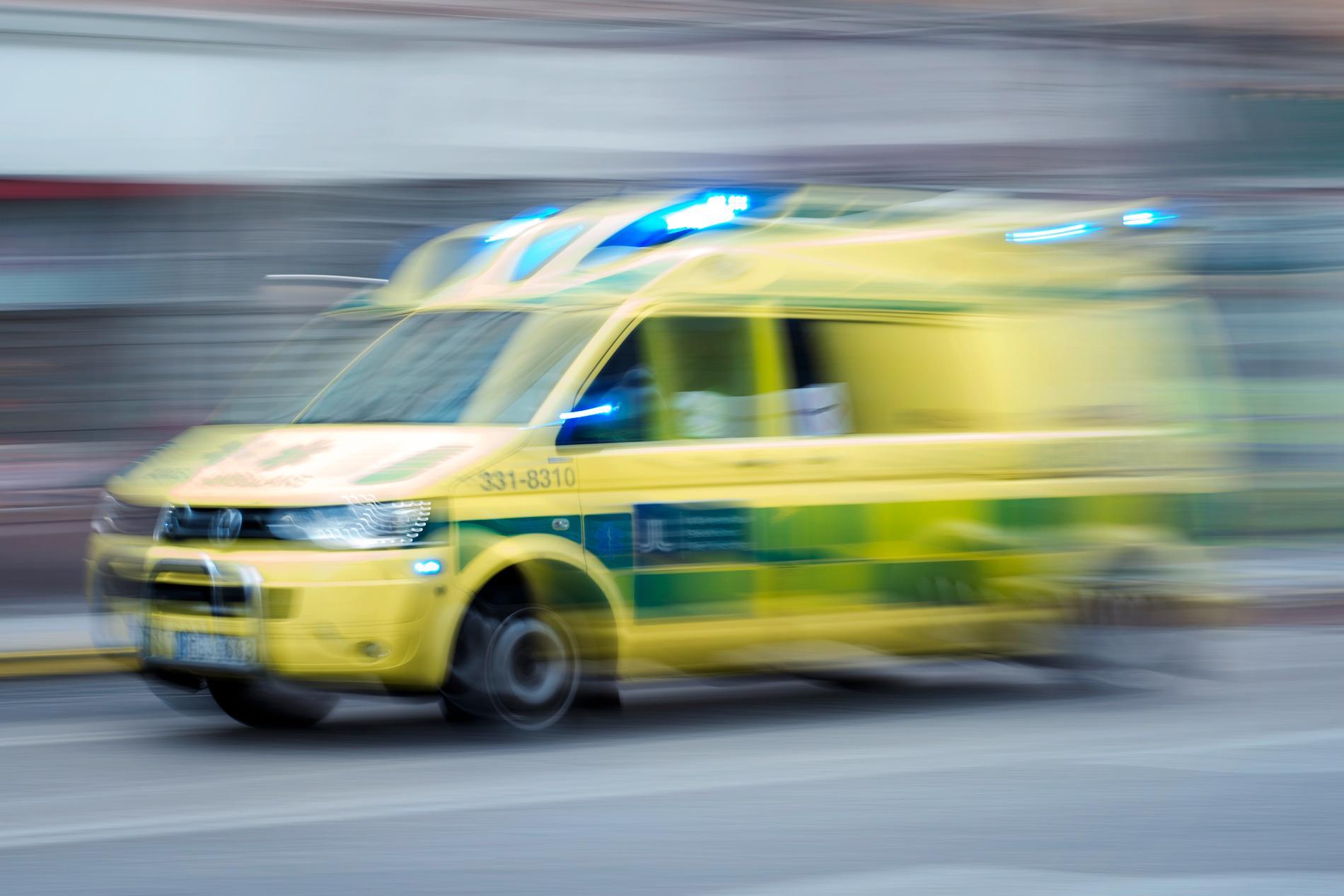 En kvinna skadades så svårt i en olycka i ett stall så att hon senare avled av sina skador. Arkivbild.