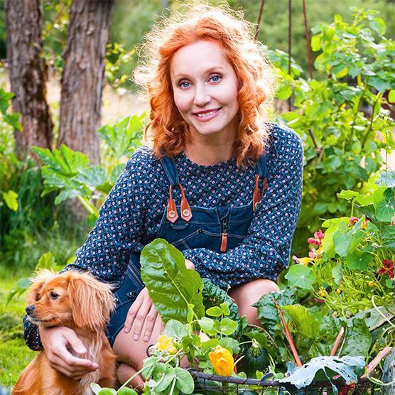 OAS PÅ HEMMAPLAN. Med några enkla knep kan du få din trädgård eller balkong att kännas som en tillflyktsort, tipsar trädgårdsmästaren Linda Schilén.