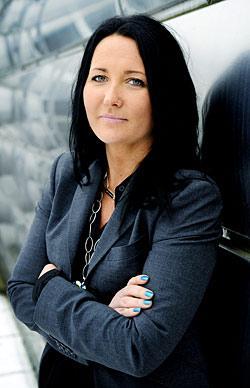 """""""Man måste kunna snacka för sig. Jag krävde hjälp till slut, för man klarar det inte själv"""", säger Anna Olofsson."""
