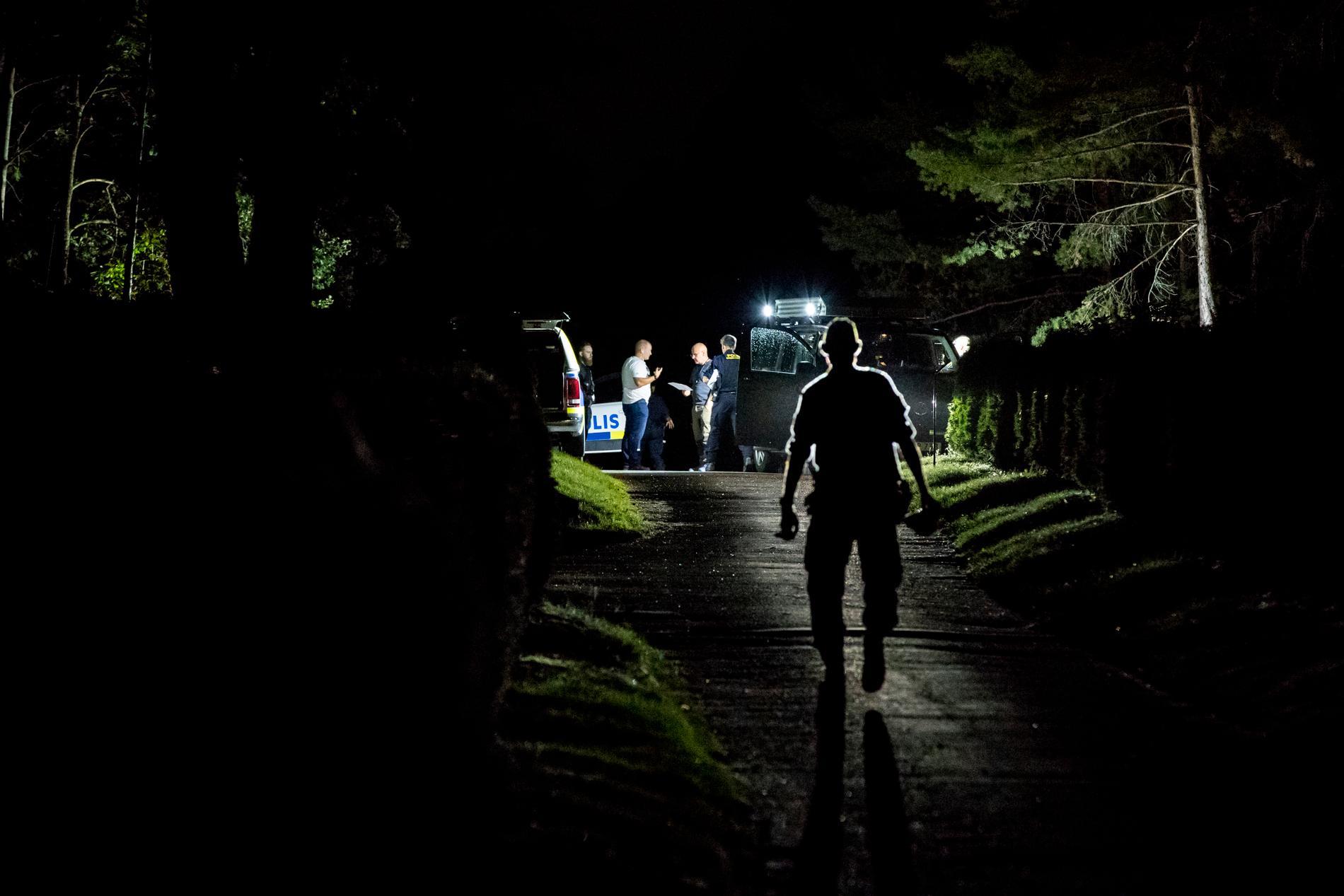 De två minderåriga pojkarna fördes in på kyrkogården vid 23-tiden på lördagskvällen och sedan misshandlads under flera timmar.