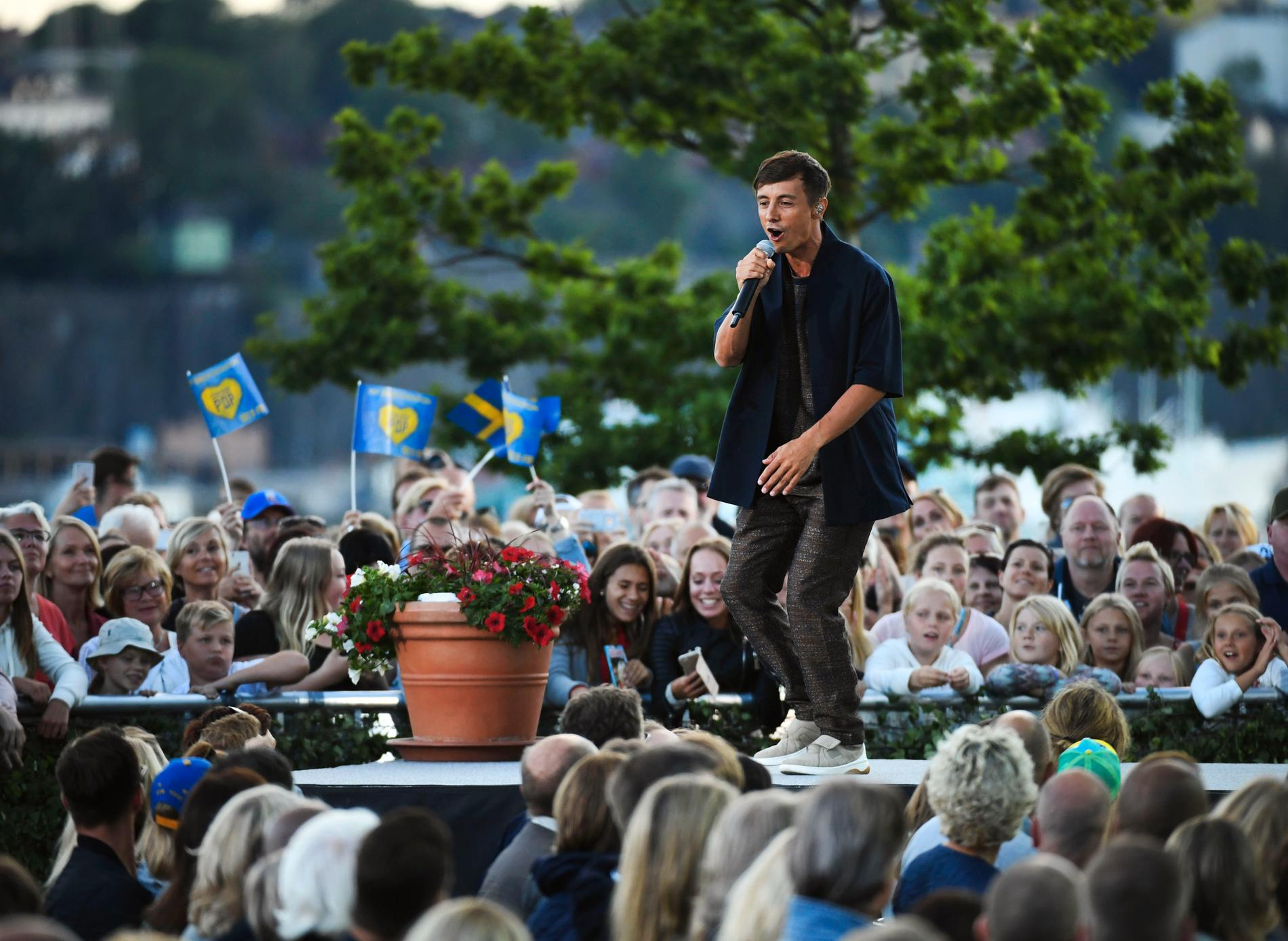 Daniel Adams-Ray i Allsång på Skansen.