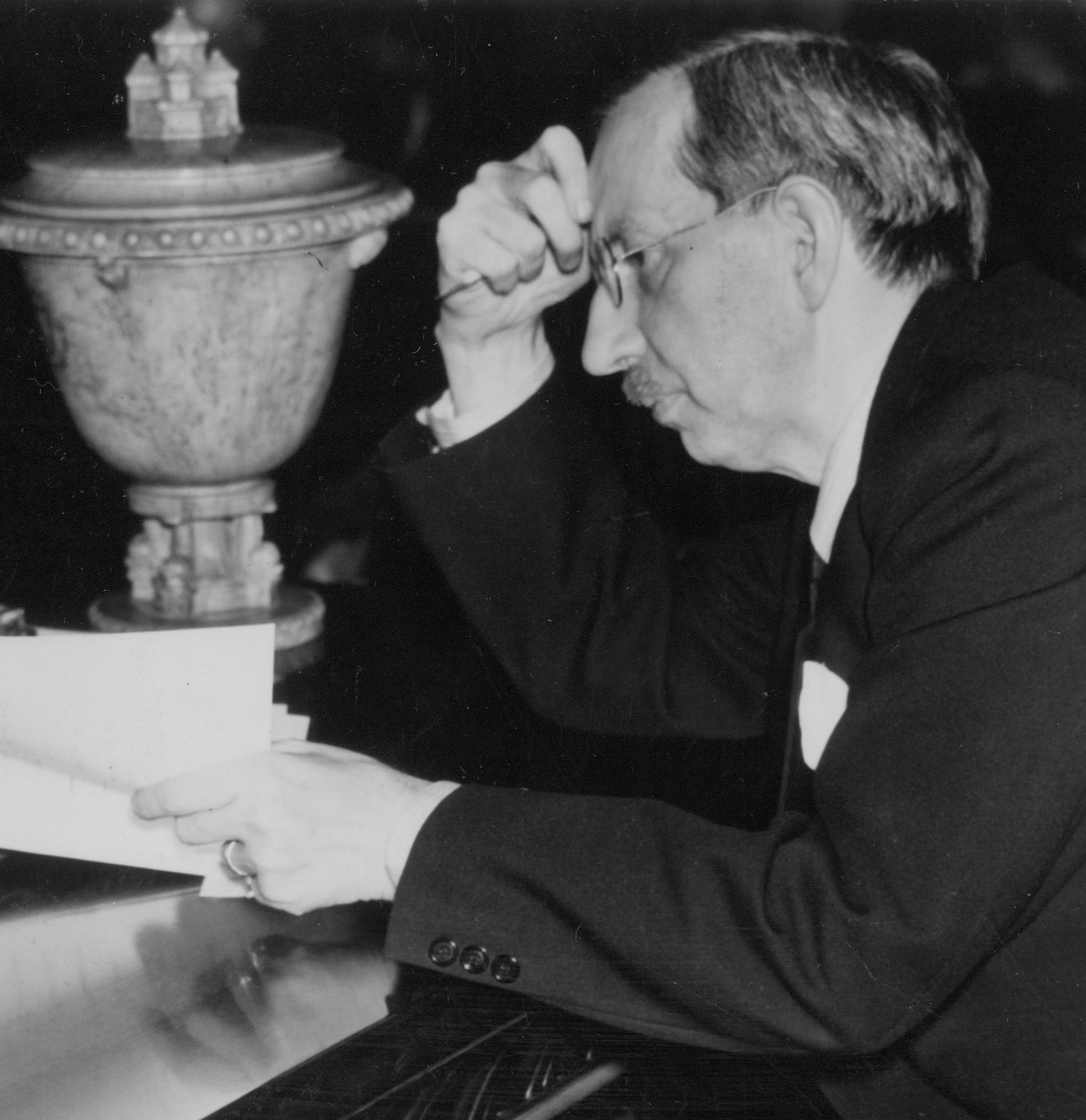 """Zeth """"Z"""" Höglund 1941. Han var det blivande Vänsterpartiets första ordförande, men återvänder 1926 till Socialdemokraterna."""