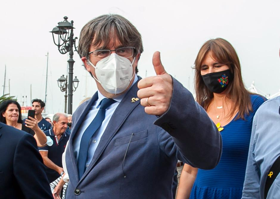 EU-parlamentsledamoten och den katalanske separatistledaren Carles Puigdemont har släppts på fri fot i Italien.
