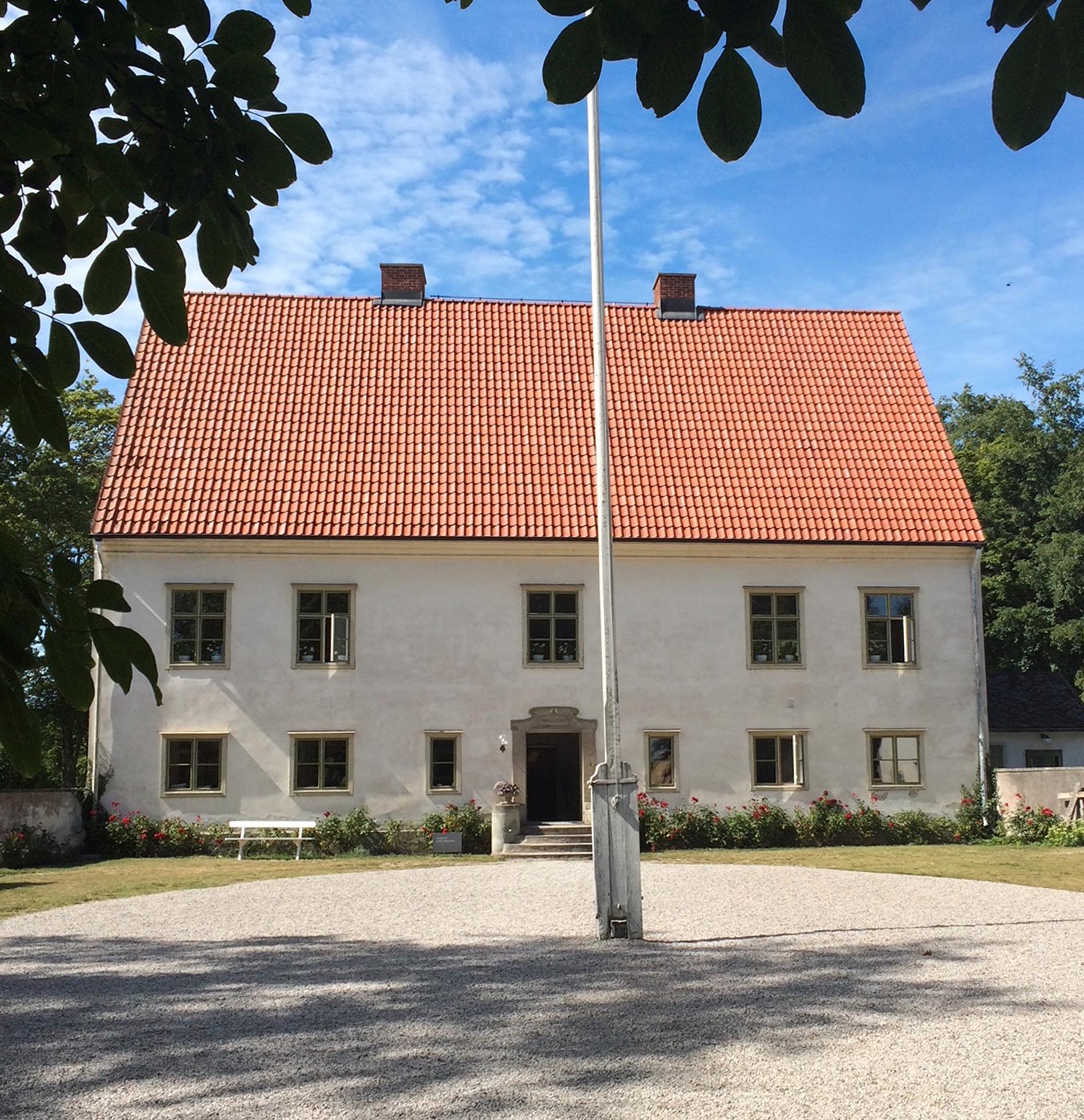 Den gamla prästgården i Vamlingbo på södra Gotland.