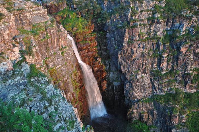 Sveriges högsta vattenfall hittar du i Dalarna.