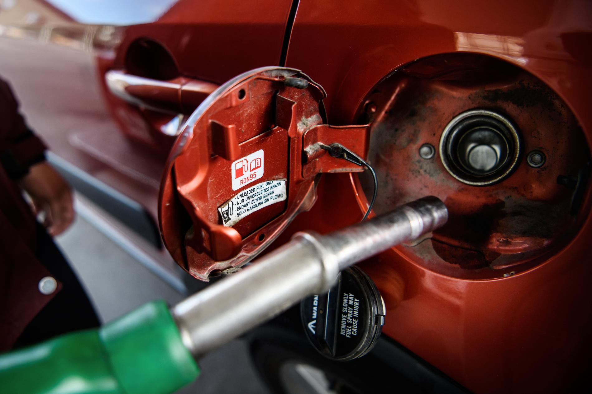 Trots att bränslepriserna rusar har reseavdraget stått still sedan 2009, rapporterar TT.
