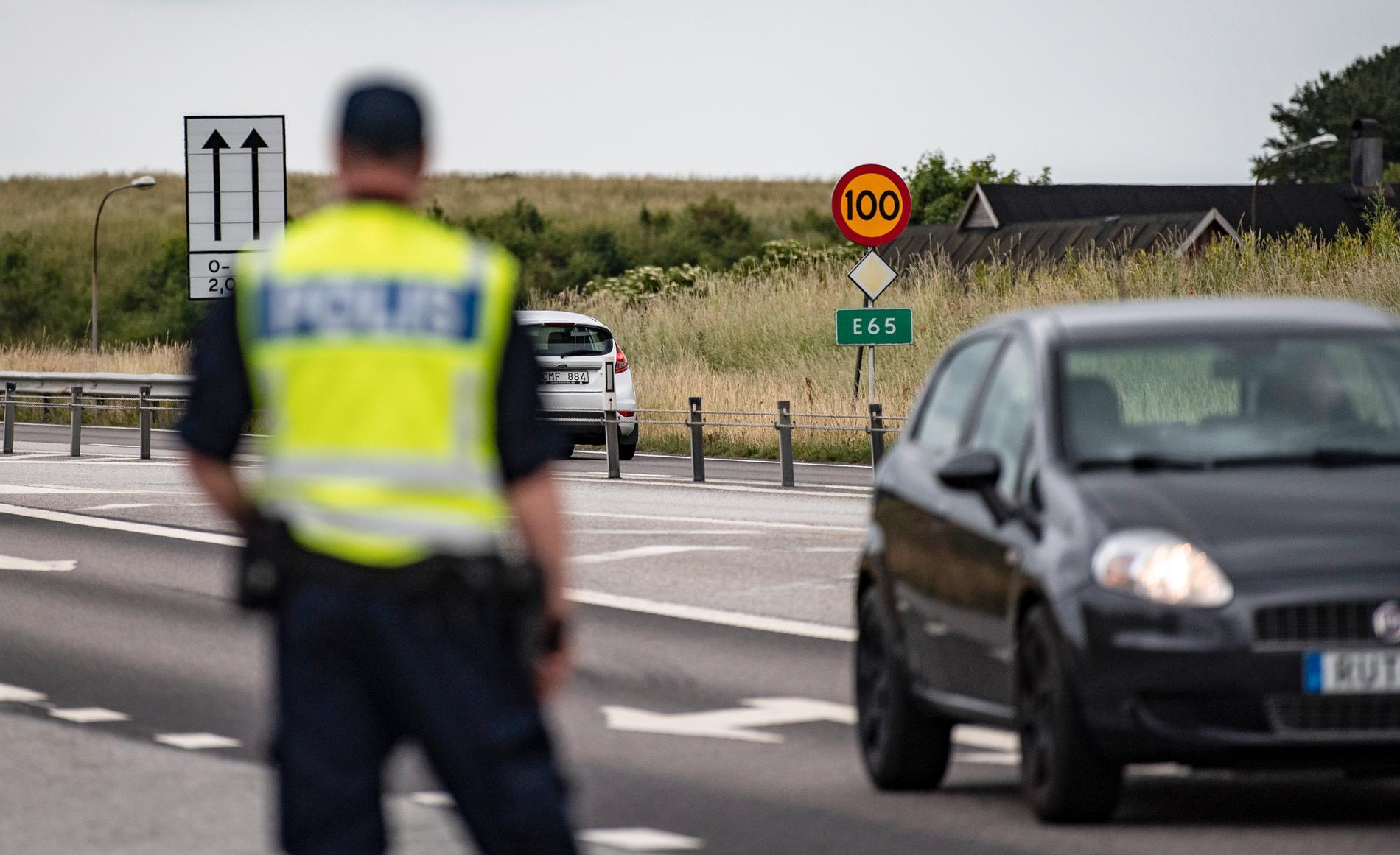 Sedan i våras har 117 anmälningar om stenkastning mot danska bilar inkommit till polisen. Arkivbild.