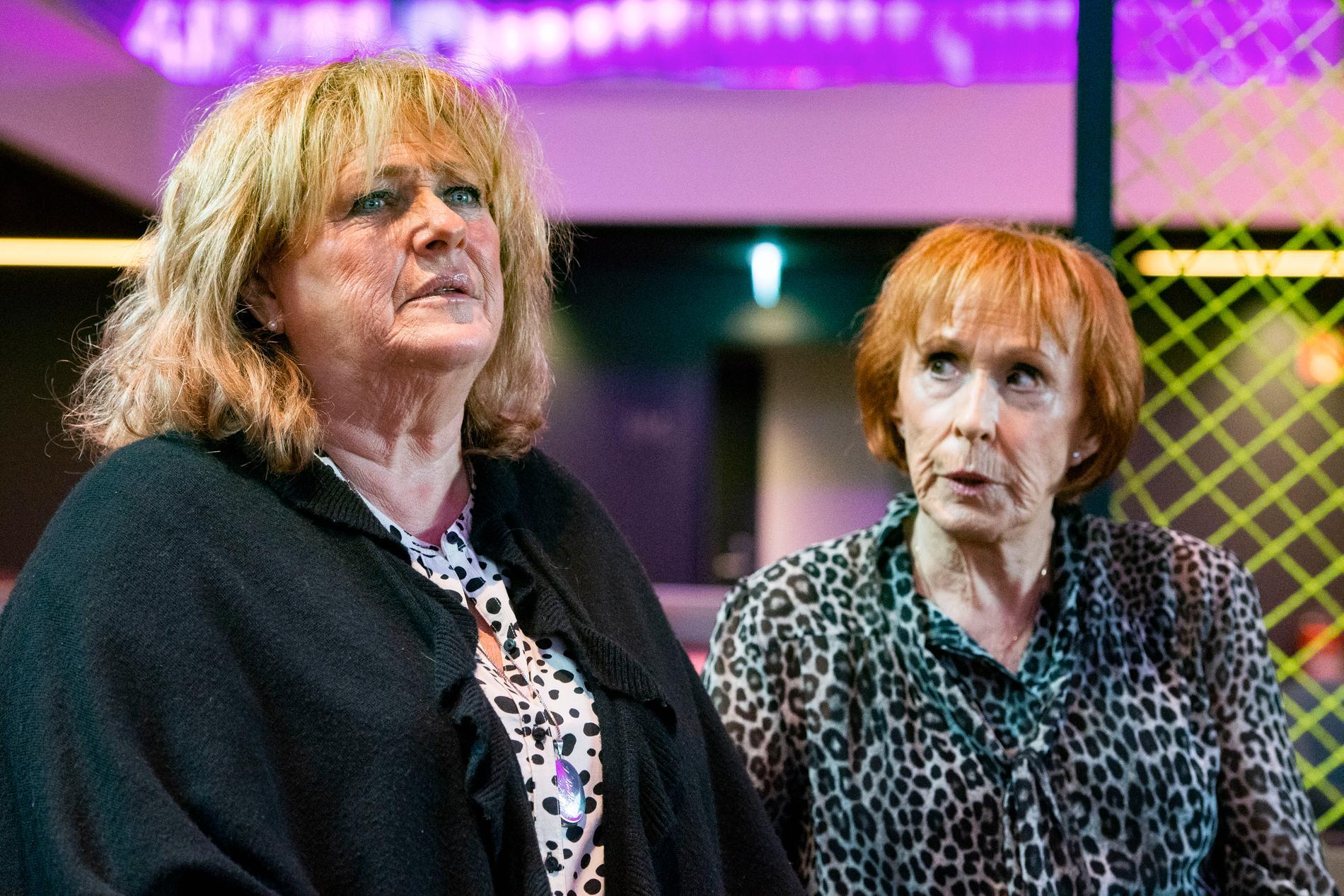 """""""Det gör så ont, det är hemskt"""". Ewa Roos trotsar sin artros för att kunna tävla i Melodifestivalen."""