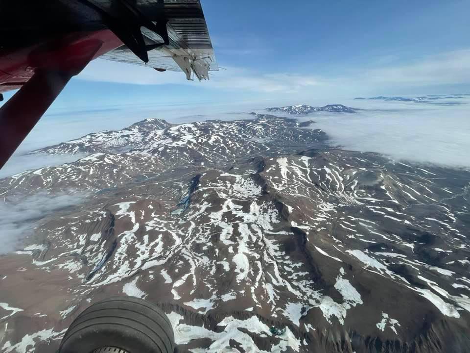 """Expeditionen är på Grönland för att filma Valrossar. """"det är spännande, ett pojkäventyr"""", säger redaktionschefen Peter Löfgren."""