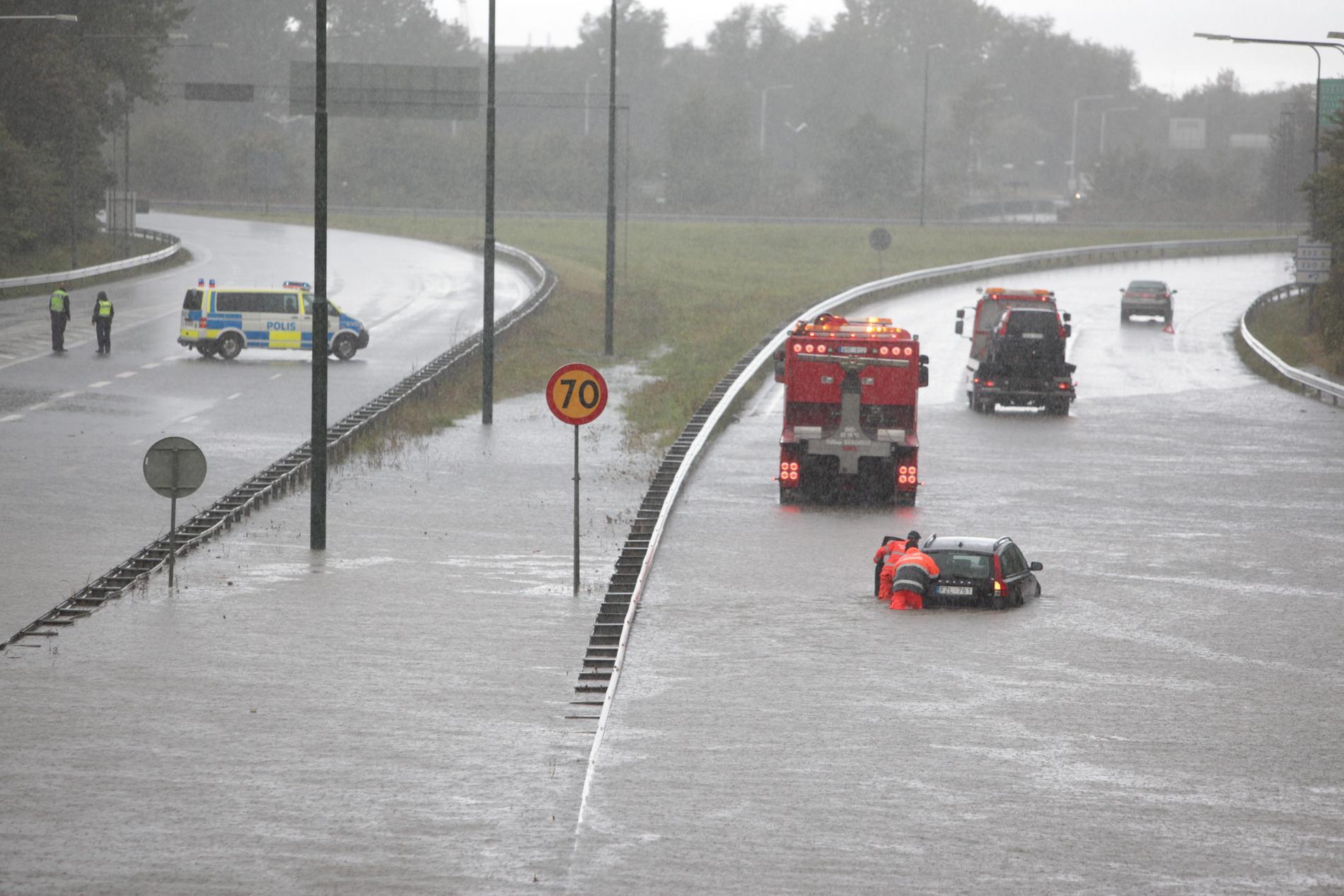 Översvämningen i Malmö 2014 beräknas ha kostat fler hundra miljoner kronor. Svenska forskare varnar för att traditionella klimatmodeller underskattar framtida skyfall.