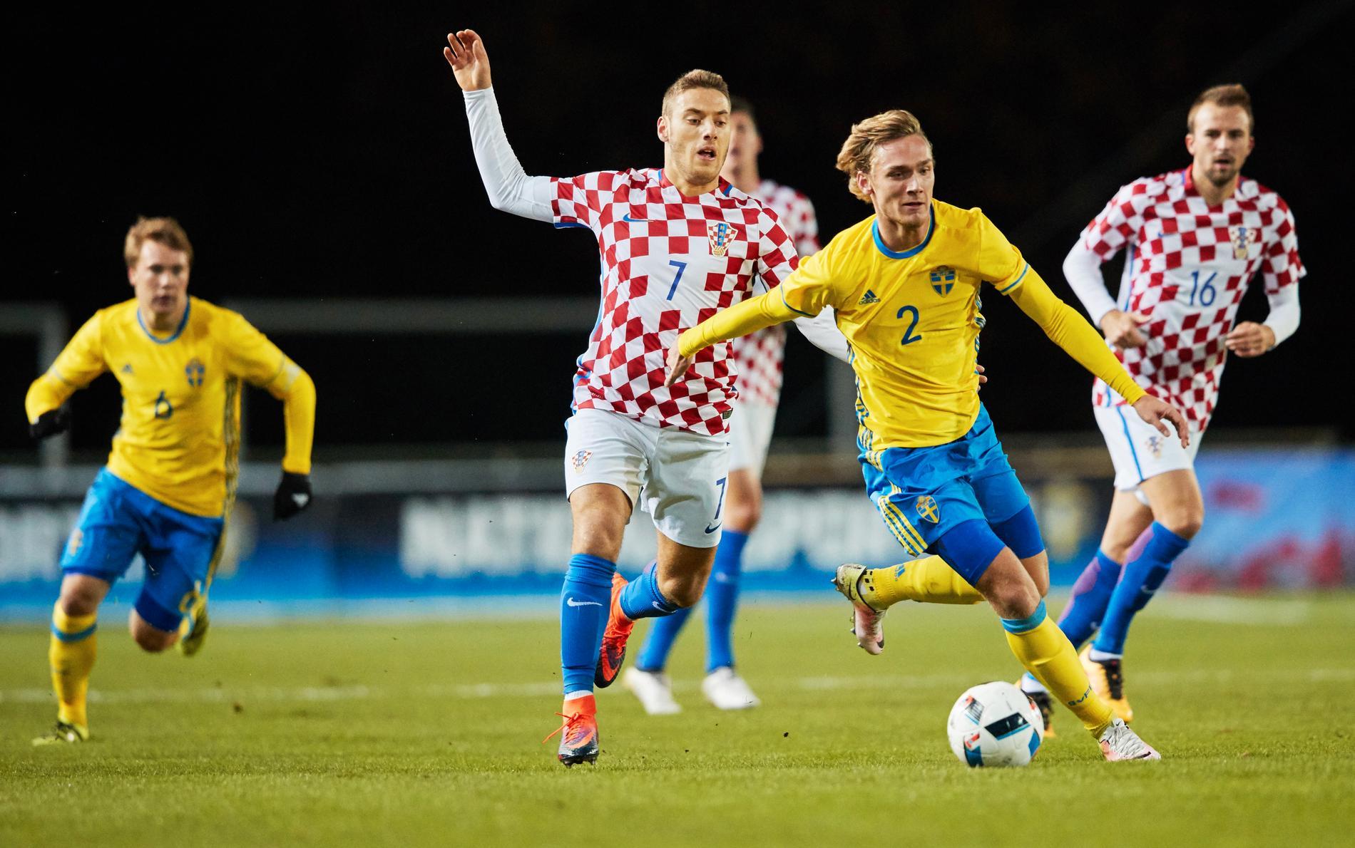 Nikola Vlasic, här i Kroatiens U21-landslag mot Sverige, är nära Premier League.