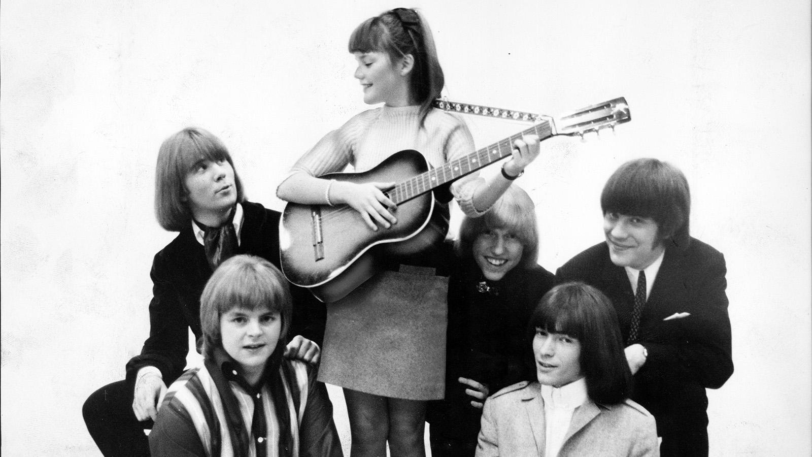 Svenne Hedlund (längst ner till höger) i 60-talsbandet Hep Stars.