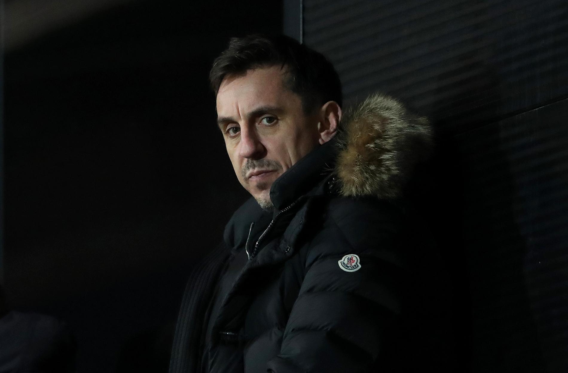 Gary Neville tror inte Man United vinner ligan.