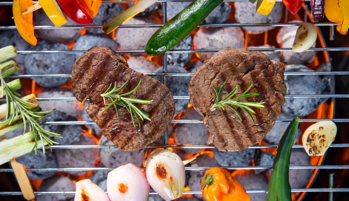 Grilla kött – med goda tillbehör