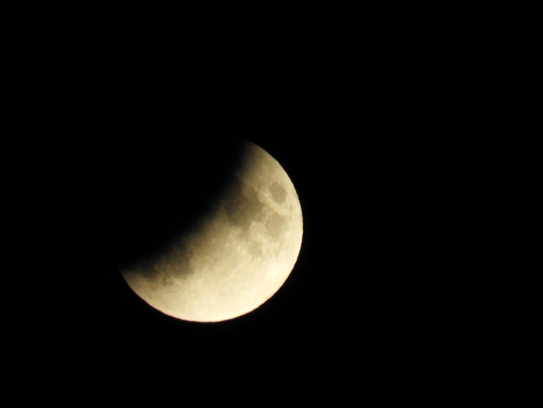 Simåne Karlsson lyckades fota tisdagens månförmörkelse.