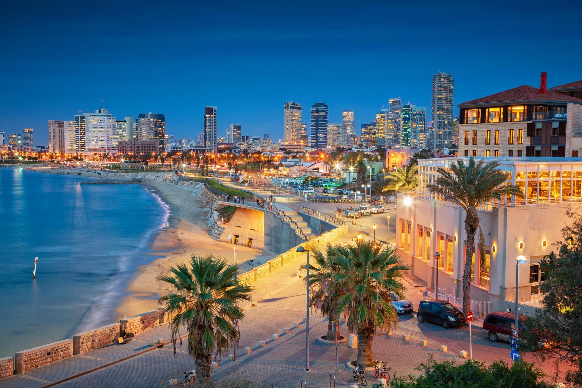 I Tel Aviv kan strandhäng kombineras med storstadsliv.