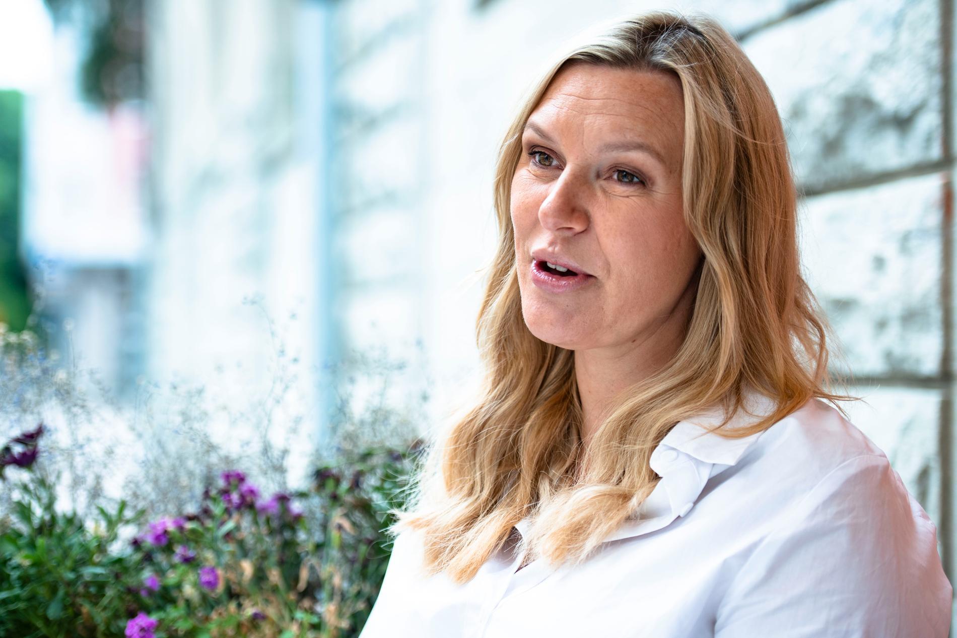 """Sanna Nielsen kan äntligen slippa frågor: """"Nu är det skönt, nu är jag gravid så nu kan jag säga det."""""""