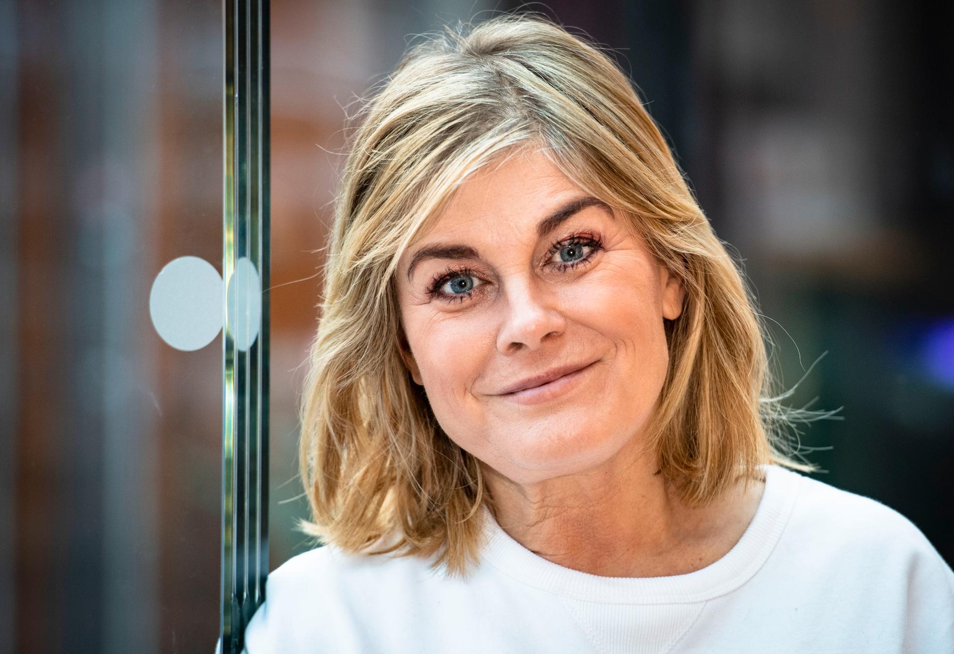 """Pernilla Wahlgren bokar om vissa shower av """"Hybris""""."""