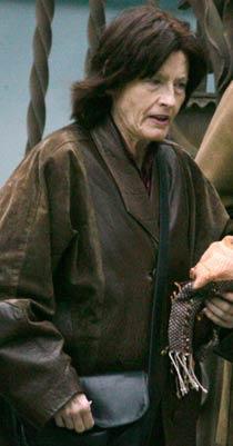 """Världens äldsta nyblivna mamma, Carmen Bousada, 67, har en """"mycket allvarlig sjukdom""""."""
