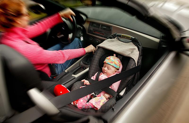 Barn ska sitta bakåtvända så länge som möjligt.