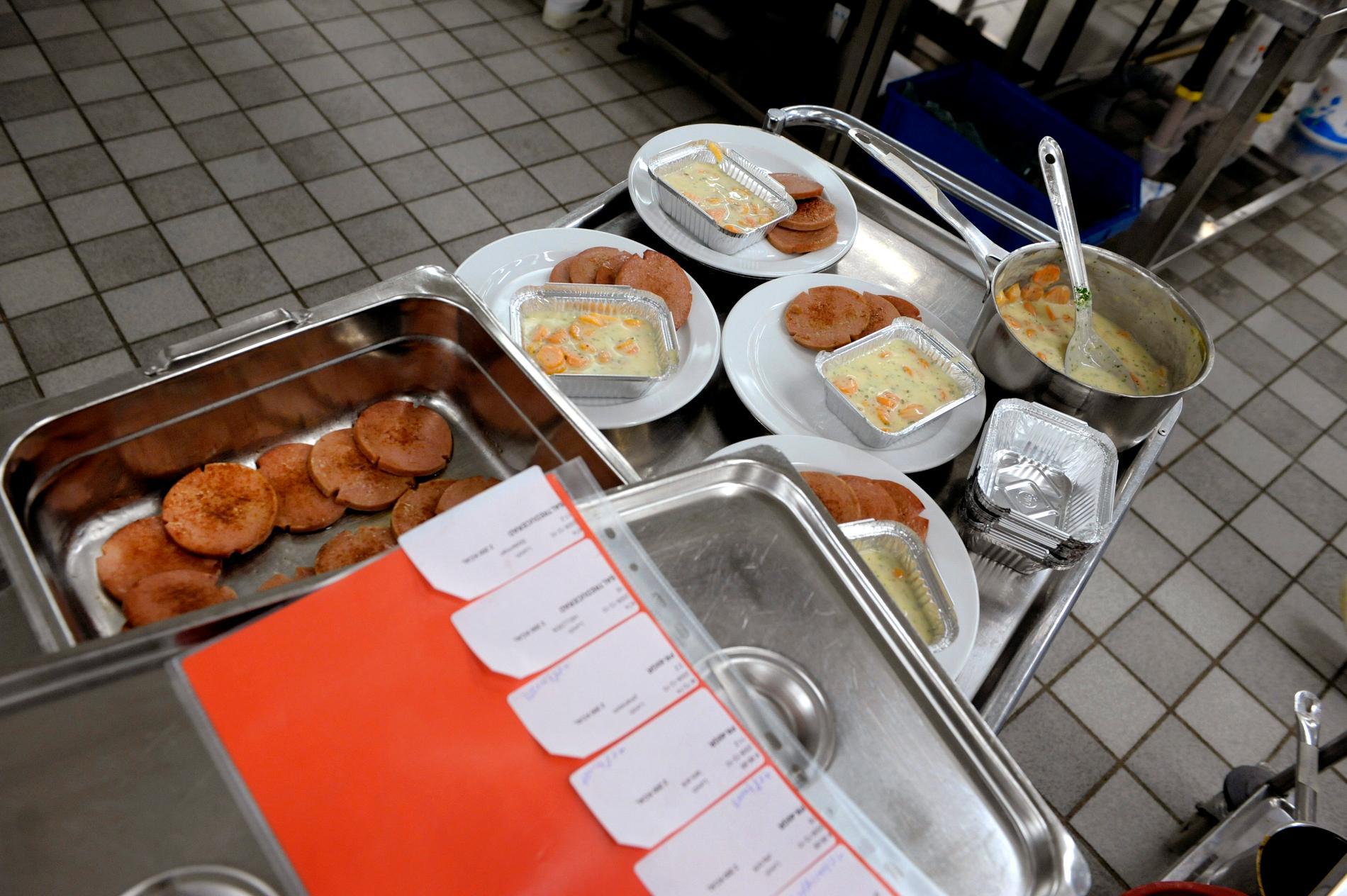 Portionering av mat på sjukhus.