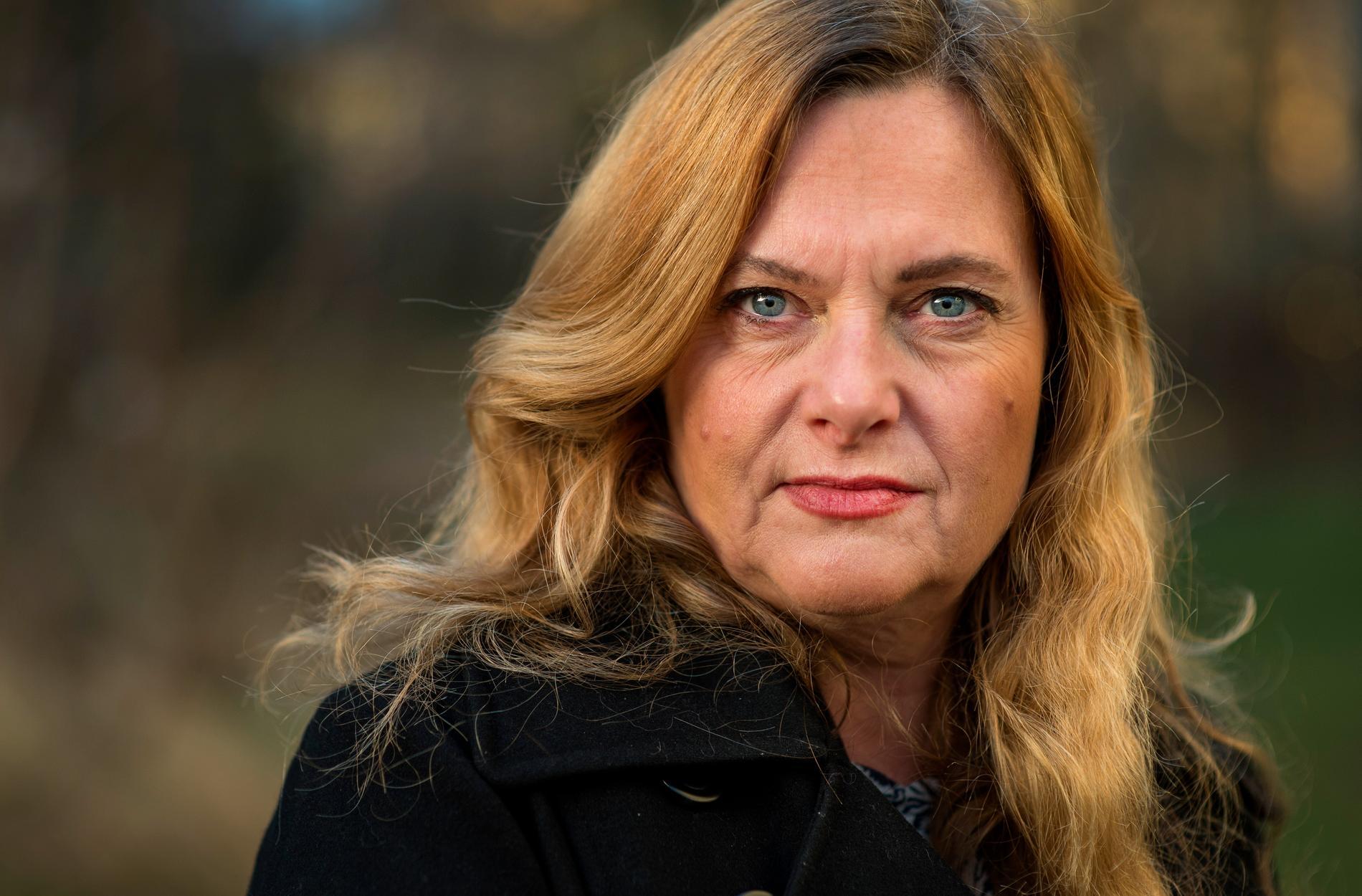 Maria Lantz, rektor på Konstfack i Stockholm, konstaterar att det inte går att blåsa glas hemma i köket. Arkivbild.